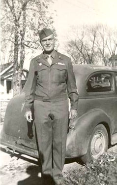 Lester Lee Greathouse in uniform